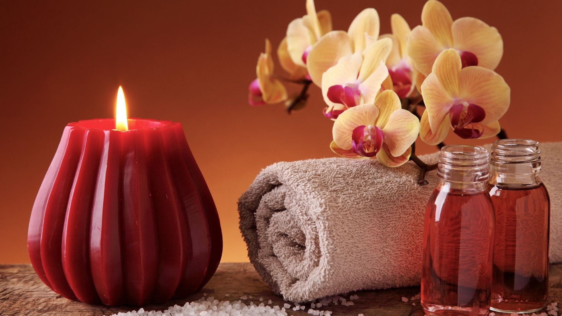 Spa_Candle_Maroon.jpg